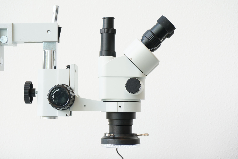 Microscoop met barlow lens en LED-ring